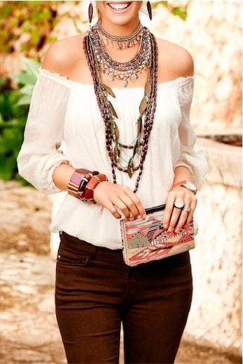 0cf50881e884 Collares largos  el accesorio que nunca pasa de moda